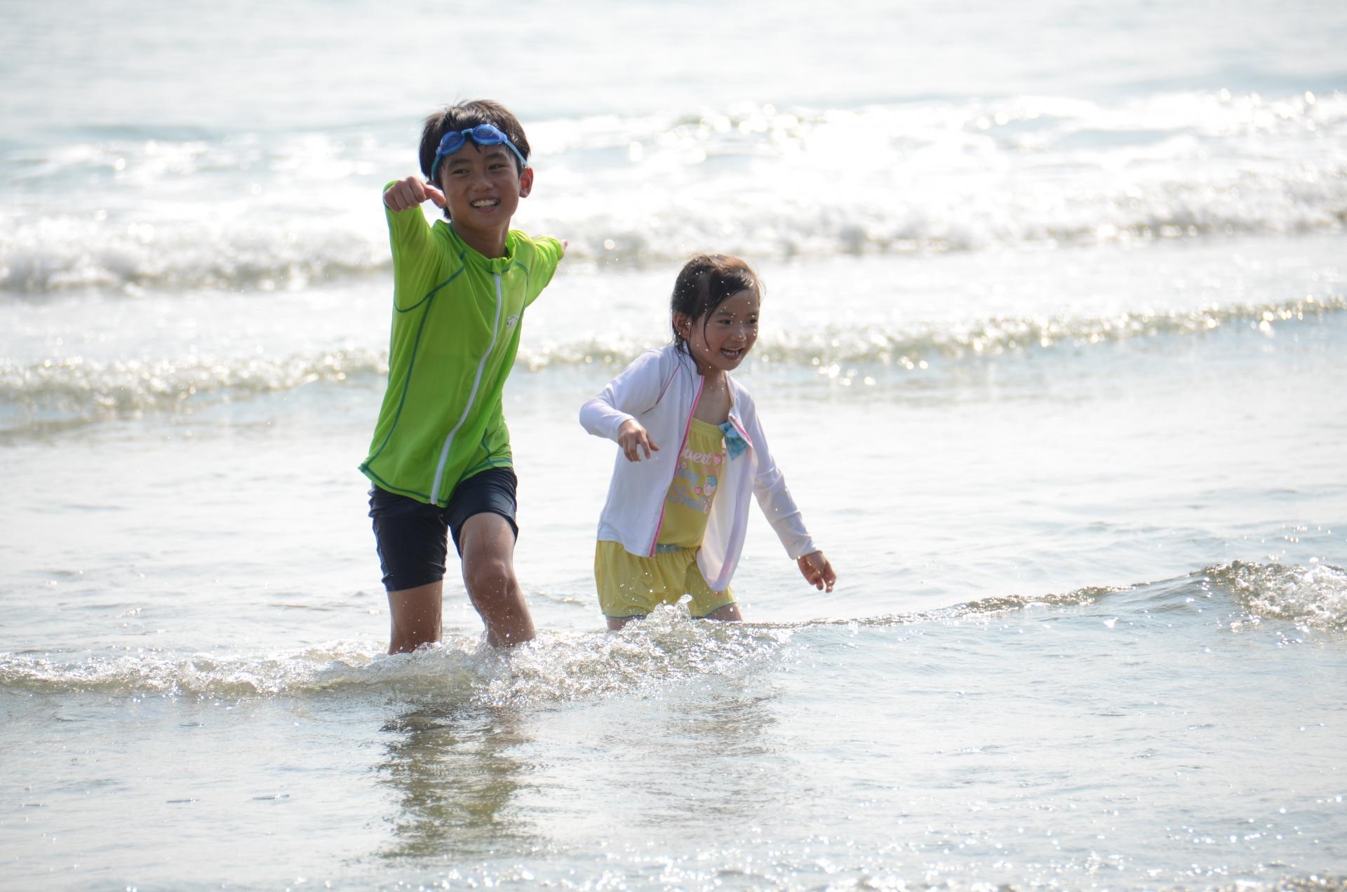 週末はセブ島で有名なリゾートビーチで思いっきりはしゃいで遊ぼう!